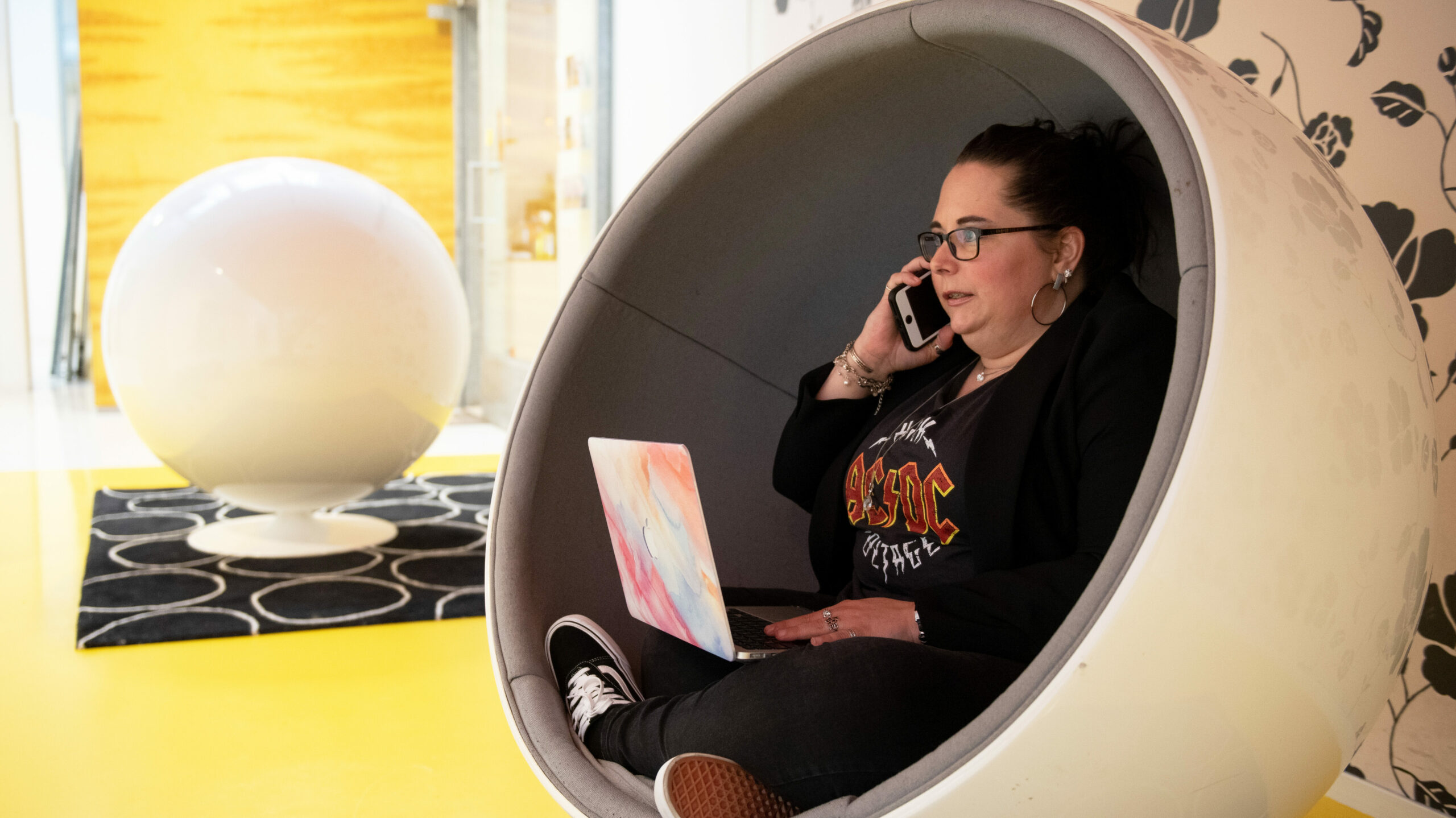 The Kick-Ass Virtual Assistant Daphne